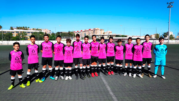 Infantil-a-unión-deportiva-sierra-de-las-nieves-equipaciones-rosas