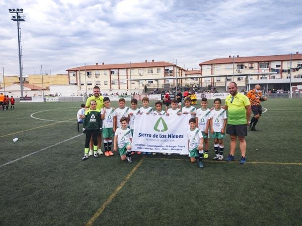 Los futuros jugadores de la Unión Deportiva Sierra de las Nieves disfrutaron a lo grande en la séptima edición del Torneo Fundación Real Madrid.