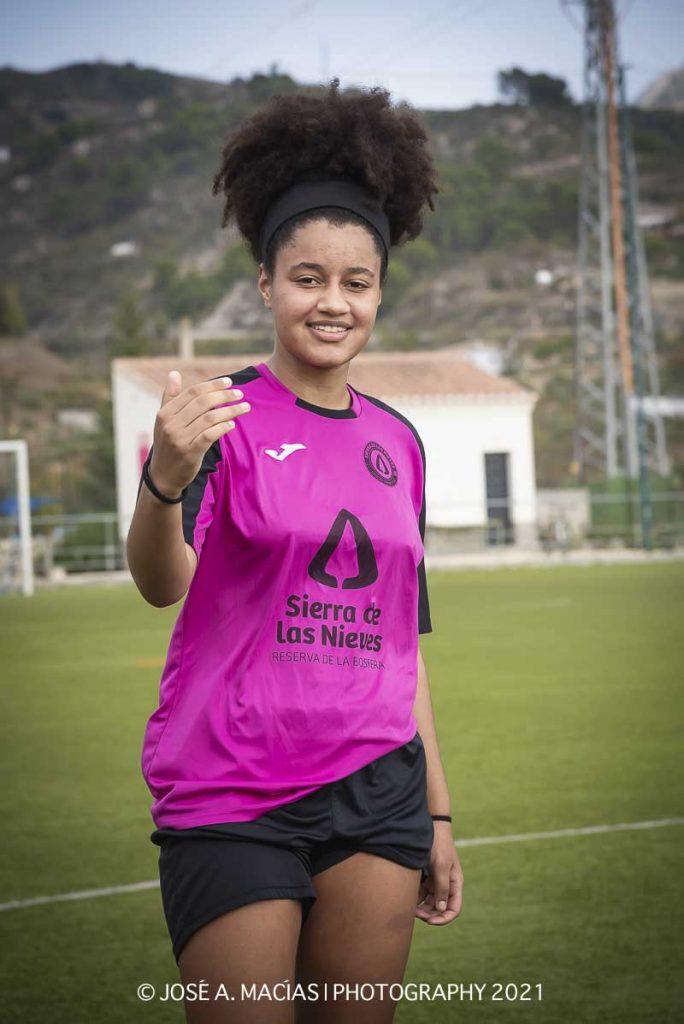 jugadora del equipo femenino de la Unión Deportiva Sierra de las Nieves