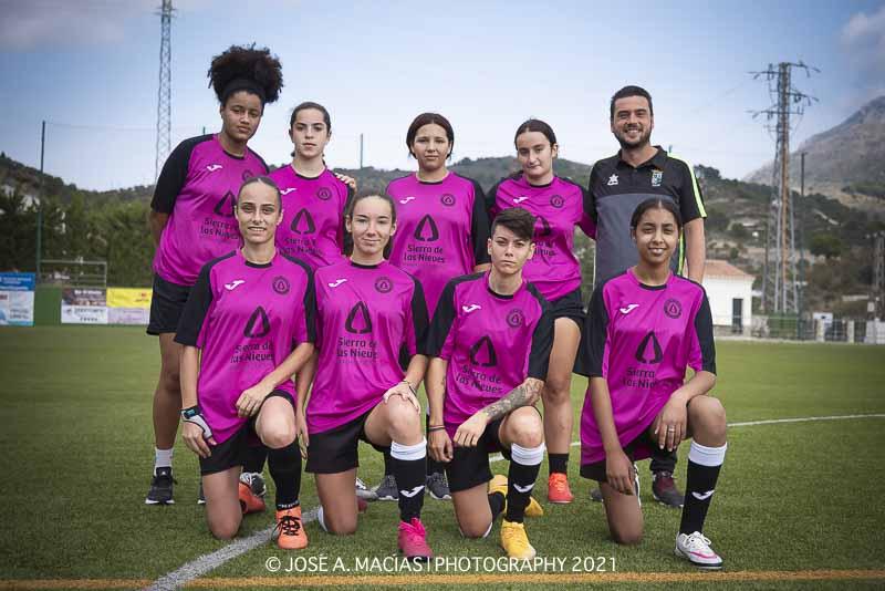 Femenino Unión Deportiva Sierra de las Nieves en la Sede Deportiva de Los Arbolitos - Yunquera